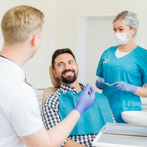 Zahnarzt Bonn-Poppelsdorf - Göbel - Behandlung in der Praxis