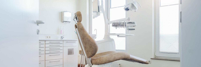 Zahnarzt Bonn-Poppelsdorf - Göbel - ein Behandlungszimmer unserer Praxis